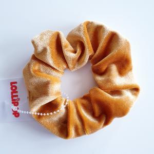 Hårsnodd scrunchie i sammet, guld